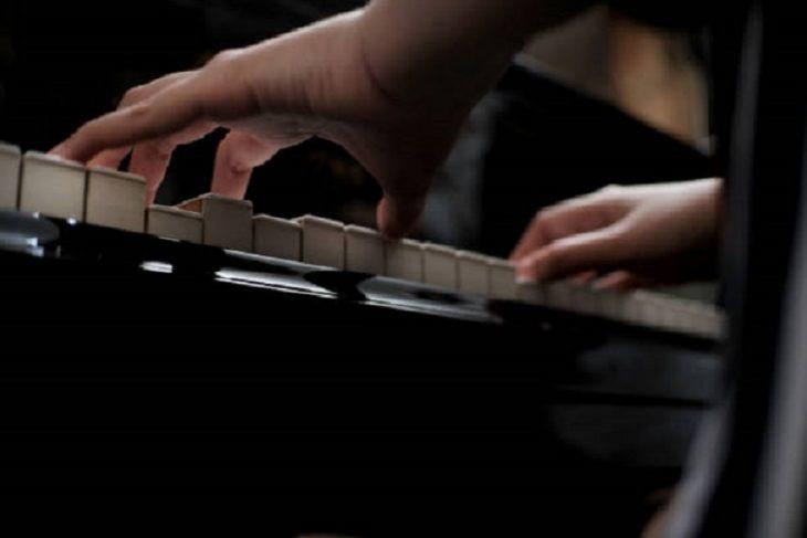 音樂是聽覺系統造型藝術,鋼琴是指尖芭蕾